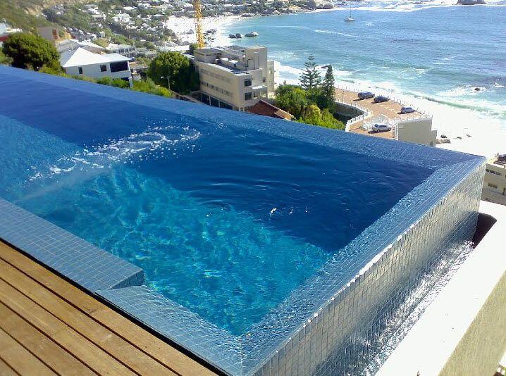 Une piscine au paradis